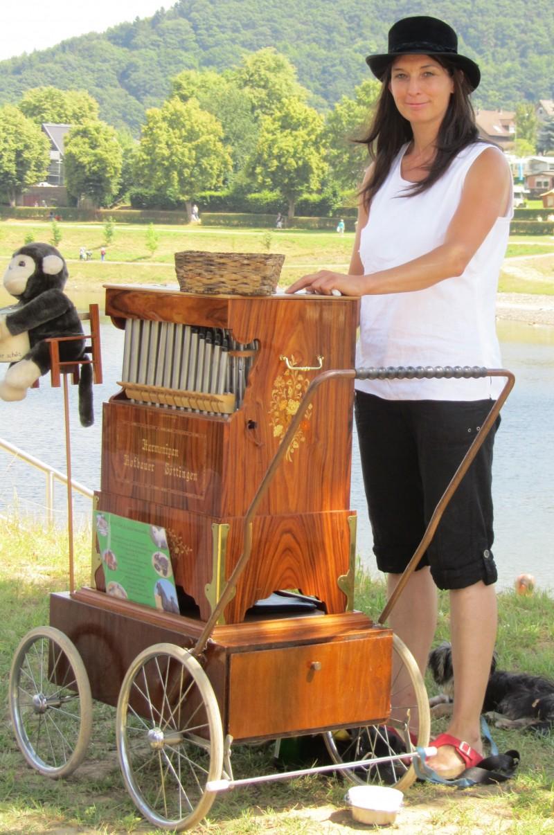 2013_07_27 Musikprogramm Leierkastenfrau