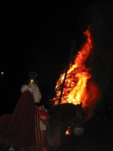 2014_11_15 Martinsfeuer brennend