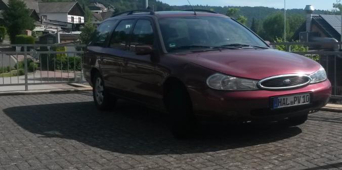 In Der Sendung Tragt Ford Mondeo Naturlich Ein MON Kennzeichen Realitat Ist Wagen Sachsen Anhalt Halle Gemeldet